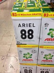 Gut gelöst: Ariel kontert Hitler-Shitstorm