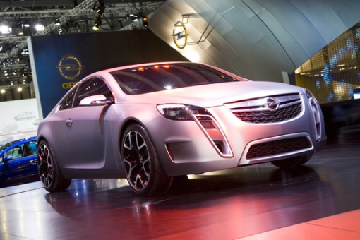 Schicker Opel bei Messe-Präsentation