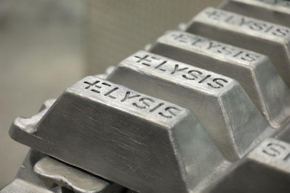 Pressebild Apple: Aluminium-Barren mit Elysis-Gravur